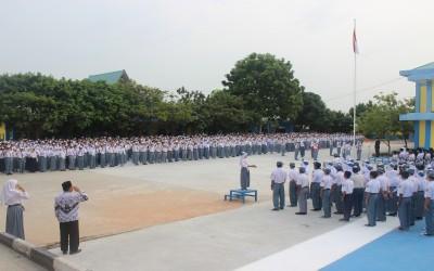 Pelaksanaan Upacara Bendera di SMK Negeri 3 Batam